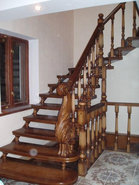 Деревянные лестницы, резьба