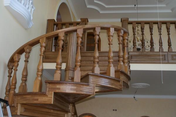 Деревянные лестницы винтовые