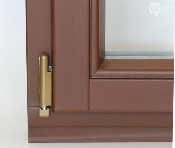 Деревянные окна из евробруса Forest Line по стоимости сопоставимо с качественными ламинированными окнами из ПВХ.