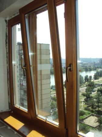 Деревянные окна изготавливается из трехстойного, клееного бруса (деревянного, а именно сосна).