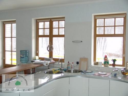 Деревянные окна Модус обладают высоким качествов, технически совершенны и имеют прекрасный внешний вид.