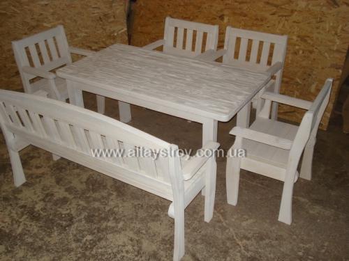 Столы и лавки из дерева на дачу