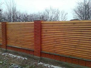 деревянные заборы из дерева для частного дома