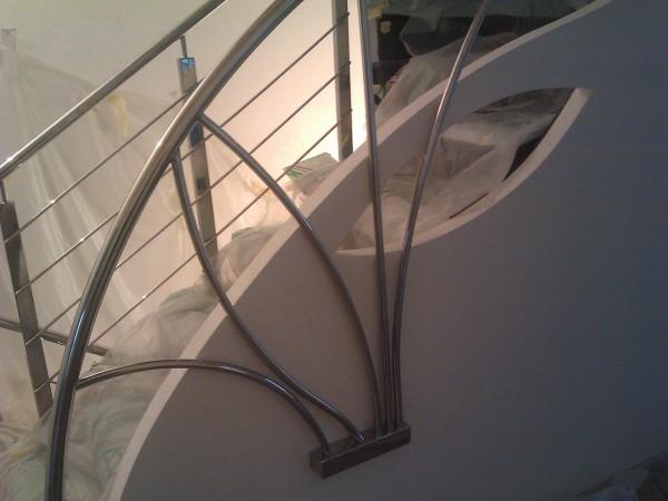 Дизайнерские перила и лестницы из нержавеющей стали