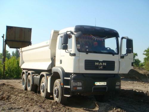 Доставка песка машинами грузоподьемностью от 15 до 40 тонн