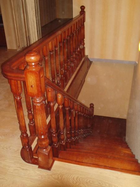 Доступные Лестницы, Массив Дуба