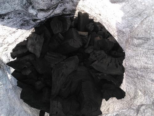Древесный уголь из твердых пород деревьев (Дуб, ясень)