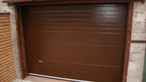 секционные гаражные ворота в запорожье цена