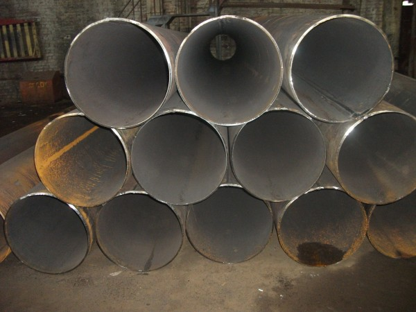 Трубы электросварные ф630 стенка 8-12