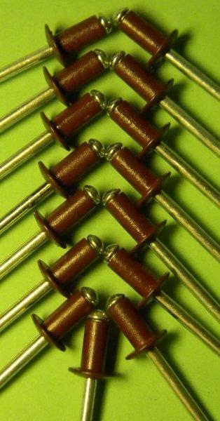 Фото 8 Фарбовані витяжні заклепки для кріплення профнастилу 302663