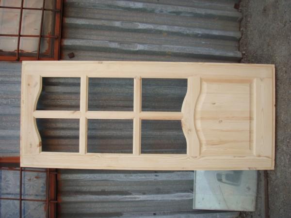 Двері деревяні сосна глухі та під скло (з луткою). Розмір на замовлення