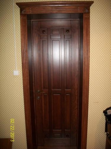 Межкомнатные двери с филенками (дуб)