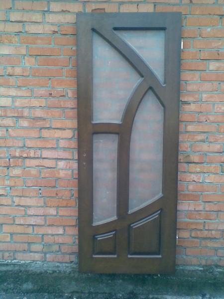Двери межкомнатные, входные из массива сосны и ясеня, широкий выбор форм, цветовая гамма.