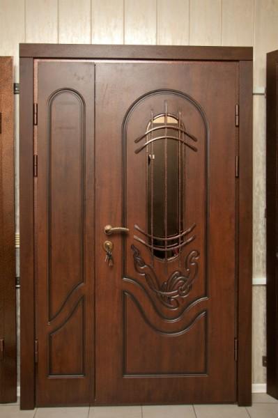 двери наружные двустворч МДФ(16мм) с двух сторон патина снаружи.