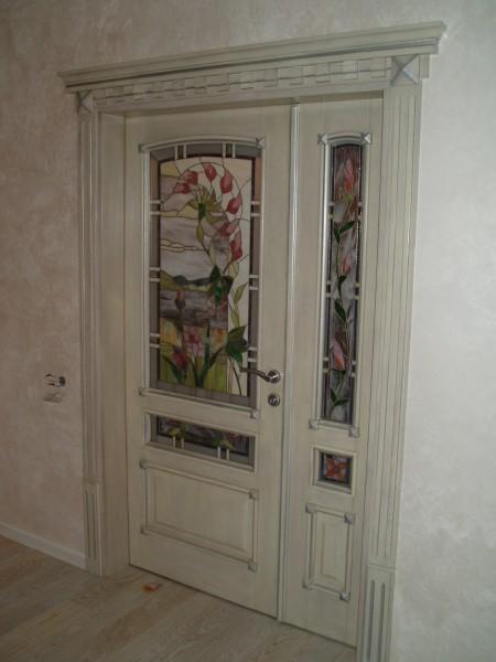 Двери, слоновая кость из серебряной патиной
