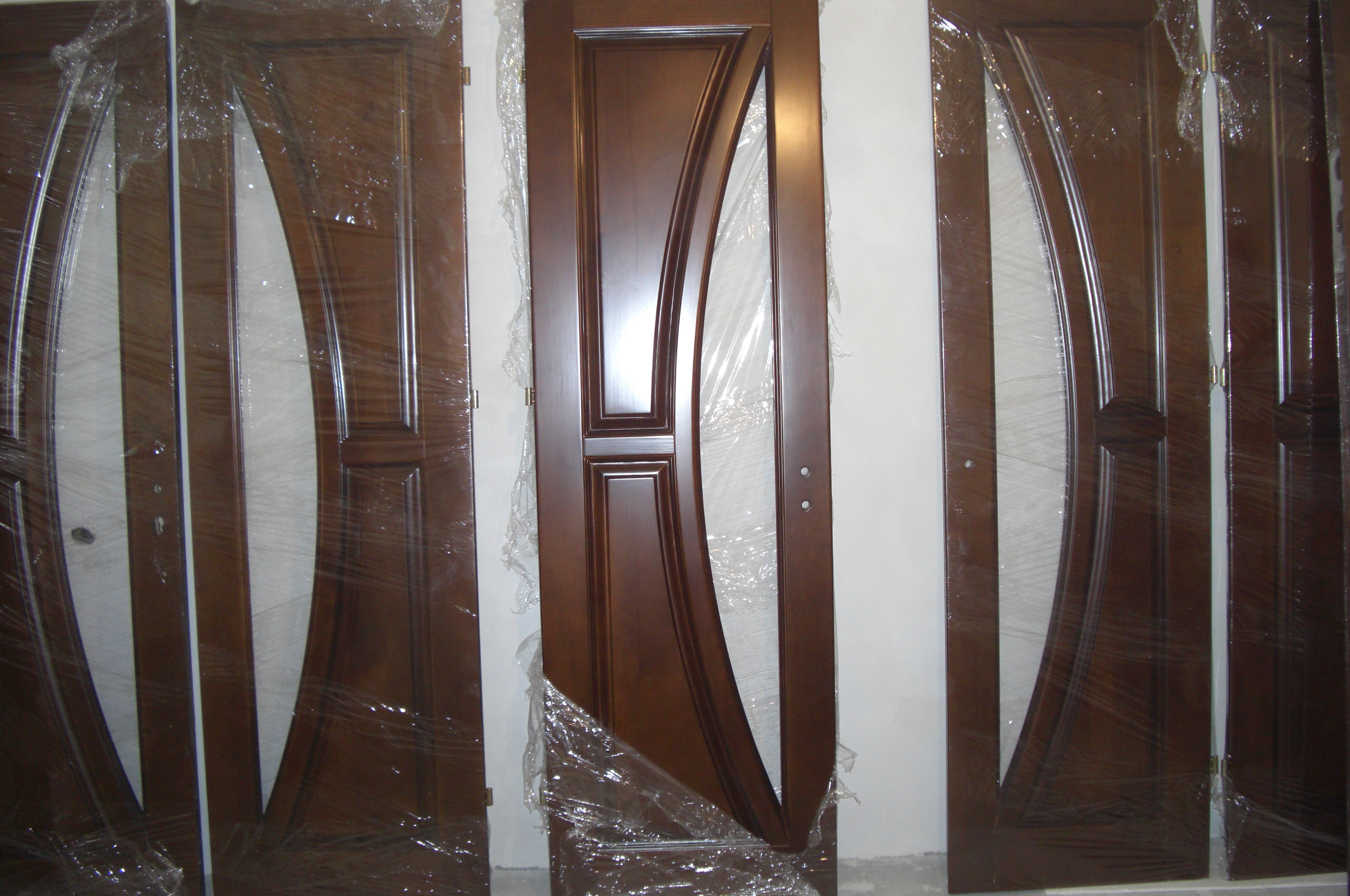 Двери сосновые изготавливаем. Карпатская сосна высшего качества.