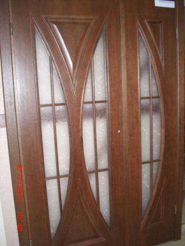Двери сосновые с дубовым шпоном изготавливаем. Нестандартные решения.