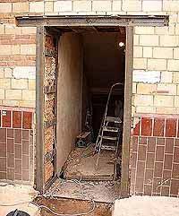 Дверные проемы в кирпичных стенах. Демонтаж