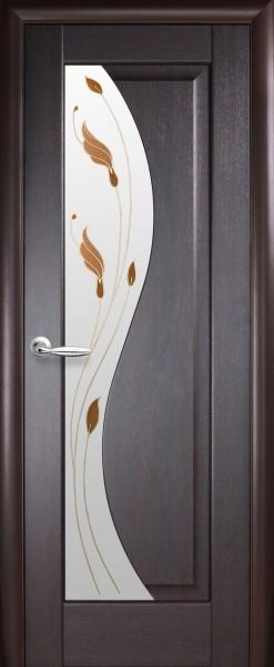 Дверное полотно. покрытое ПВХ пленкой, Маэстра Эскада со стеклом