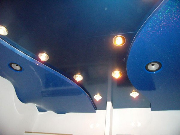 Двухуровневые натяжные потолки , конструкции из пленки пвх, перегибы уровней, волны, дюны