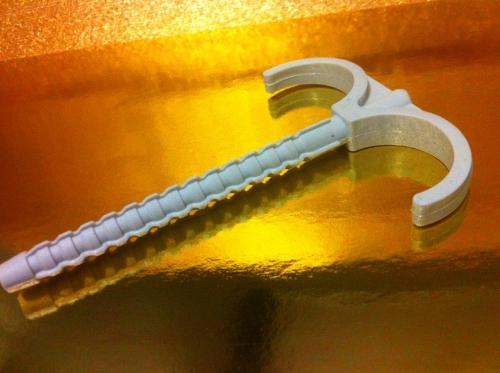 дюбель крюк двойной и ординарный 70,100 и 120mm для крепления труб и кабеля до 35 mm