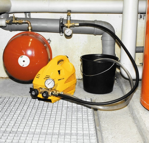 Электрический опрессовщик REMS E-Пуш Надёжный, электрический опрессовщик для проверки давления и герметичности сетей и