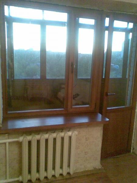 Евроокна деревянные, ясеневый евробрус, поворотно-откидная фурнитура, тройной стеклопакет.