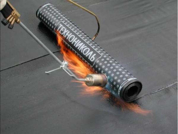 еврорубероид – рулонный гидроизоляционный материал.