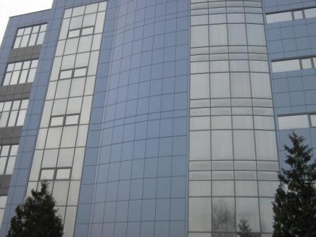 Фасадная конструкция для навесных фасадов.