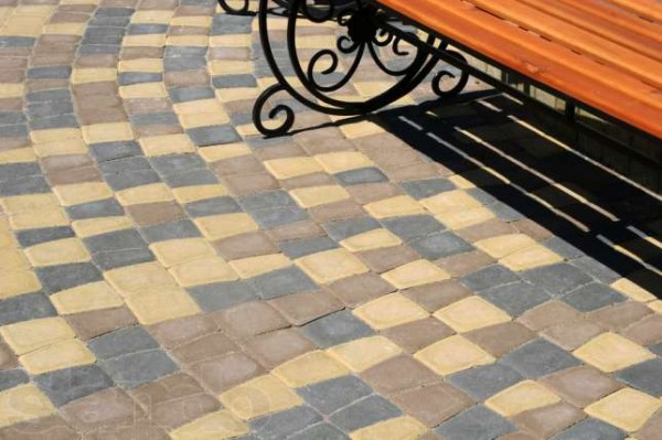 ФЭМ тротуарная плитка Донецк, цена на тротуарную вибропрессованую плитку Фэм в Донецке от производителя.