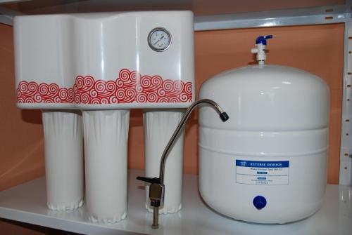 Фильтр для воды RO-75 (12 л/час; с насосом и манометром)