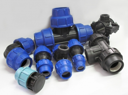 Фитинги для пластмассовых и металлическихтруб различных диаметров