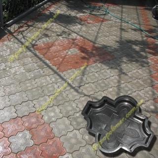 Форма для производства тротуарной плитки Конюшина узорная р-р :4,5;2,5.