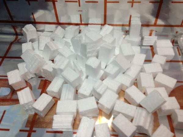 Фракцит (пенополистирол кубической формы 2*2*2см) для утепления межстеновых пустот, уплотнитель стяжки пола,