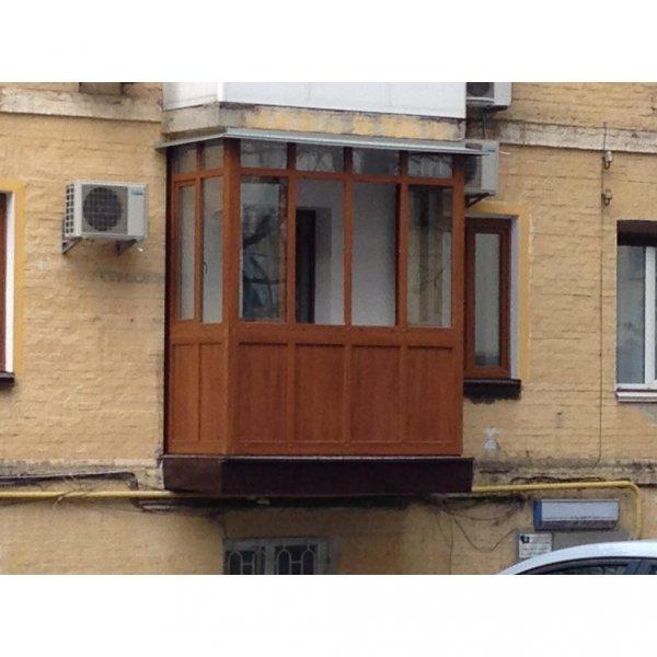 Фото  1 Французский балкон ламинированый под дерево 1444820