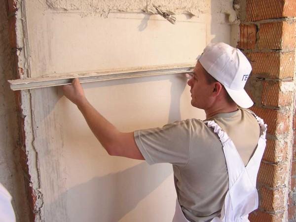 Гипсовая штукатурка стен, потолков машинным способом и ручным