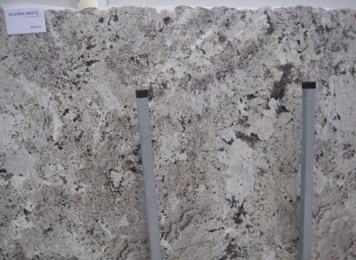Гранит Alaska White т.30мм. Мрамор. Оникс. Изделия из гранита. Столешница из гранита. Ступени из гранита.