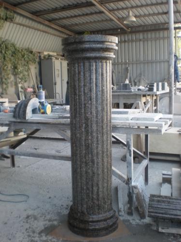 Гранит. Колонна из гранита. Гранитная колонна. Колонна гранитная. Изделия из натурального камня.