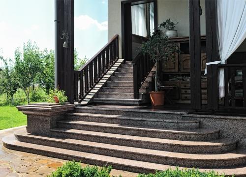 Гранитная лестница, Лестницы Гранит цена Киев