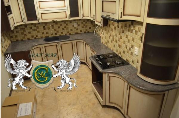 Гранітні кухонні стільниці
