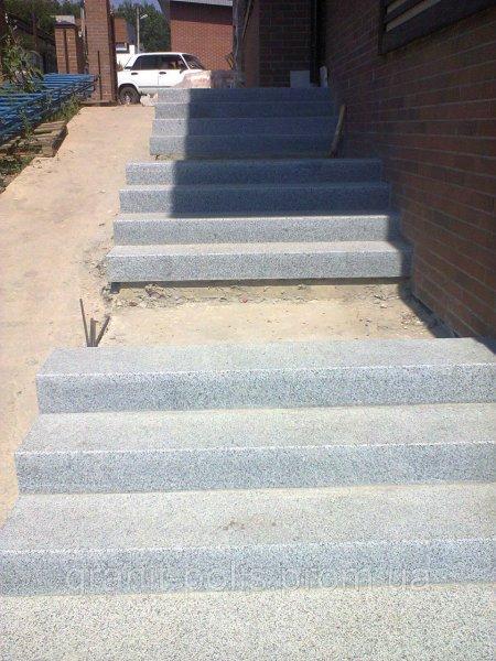 Фото  1 Гранитные ступени цельные Житомир 1856321