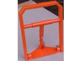 Парковочный барьер ВП-1. Габарит: ширина -320 мм; высота -450 мм. Покраска: Стандартные цвета - оранжевый.