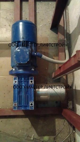 Привод: лебедка электрическая Мощность привода, кВт – 3 Напряжение, В – 380 Скорость подъёма – спуска, м/мин 10-15