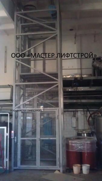 Монтаж грузового шахтного подъёмника под ключ грузоподъёмностью 1 тонна.