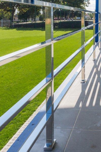 Нержавеющие перила, поручни, лестницы, балюстрады в стиле хайтек ( Hi-Tech ) так же навесы для автомобилей, козырьки