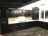 Фото  1 Кухня с деревянными фасадами. Чёрный цвет из патиной. Дуб 2145255