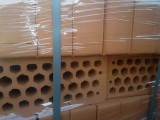 Кирпич керамика М-125 с пустотами 40% с доставкой в г.Киев