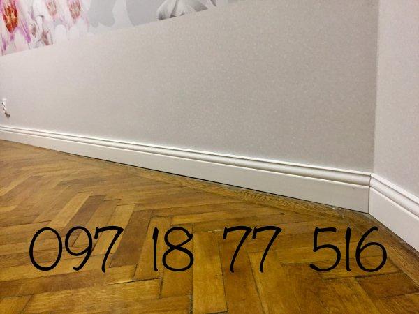 Фото  1 Плинтус деревянный высокий белый. Высота 14 см (140х20мм) Мат-ал сосна(срощенная по длине, покрыт белым лаком (полу-мат) 1200725