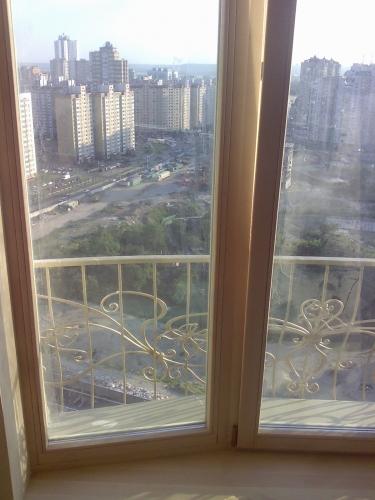 Изготавливаем деревянные окна с трехслойного клееного бруса сечением 83х78. Дуб, клен, лиственница.