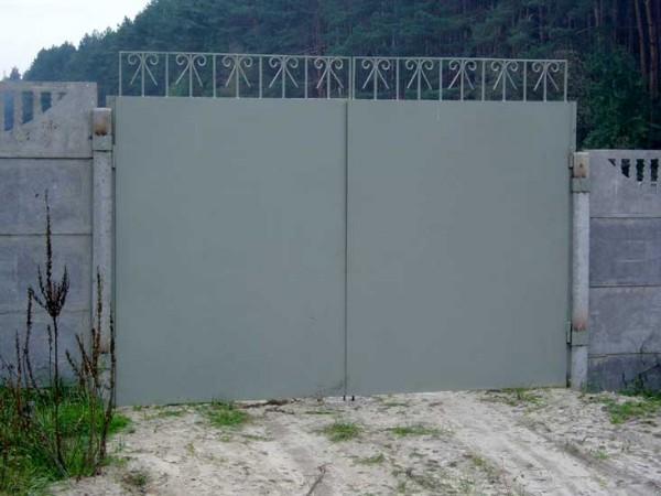 Изгототавливаем, монтируем, металлические и деревянные ворота, калитки, различных размеров